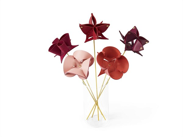 LV_Origami Flowers by Atelier Oi_EUR 240,-