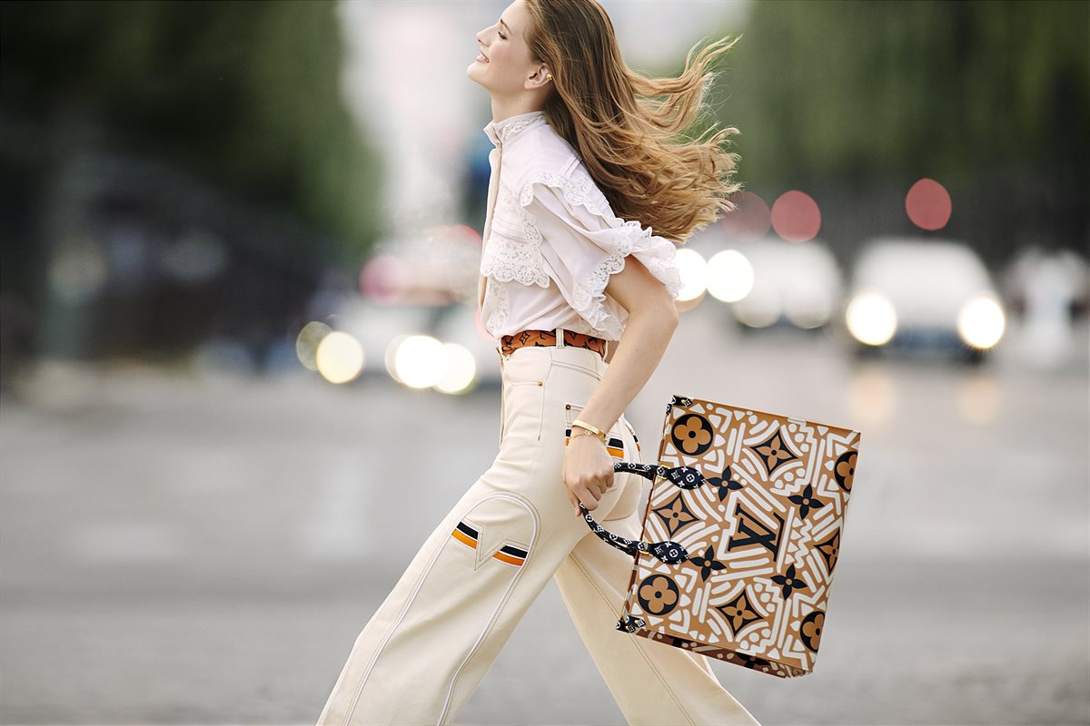 LV Crafty_OnTheGO tote caramel and cream, in Monogram coated canvas 1